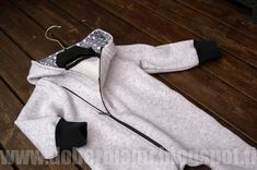 Projects For Kids, Sewing Projects, Sewing Ideas, Sewing For Kids, Nike Jacket, Sweatpants, How To Make, Jackets, Clothes