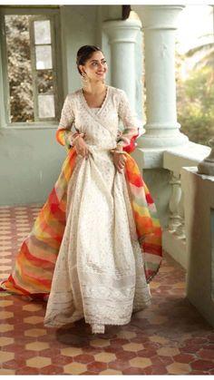 Pakistani Fashion Casual, Indian Fashion Dresses, Indian Designer Outfits, Pakistani Outfits, Indian Outfits, Indian Attire, Indian Wedding Gowns, Wedding Bridesmaid Dresses, Bridal Dresses