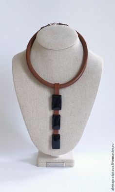 Leather Necklace, Leather Jewelry, Beaded Necklace, Jewelry Art, Jewelry Necklaces, Crochet Jewelry Patterns, Leather Flowers, Handmade Jewelry Designs, Stylish Jewelry