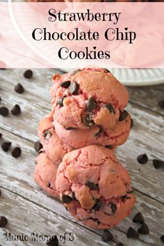 This is a fun twist on your traditional chocolate chip cookies! Introducing Strawberry Chocolate Chip Cookies! This recipe is super easy and only takes a few ingredients. It is amazing that you can...