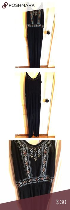 Topshop Black Jumpsuit Chic black jumpsuit with embroidered bust. Band sits at the waist with straight legs and pockets. Can wear during the day or for a night out! Topshop Pants Jumpsuits & Rompers