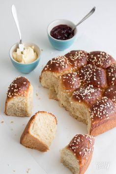 Rutger bakt brioche High Tea, Bread Recipes, French Toast, Lunch, Homemade, Breakfast, Sweet, Desserts, Food