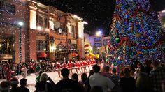 What are the Premier / Preferred Passholder benefits for the 2012 holidays at Universal Orlando?
