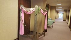 Chickenwire pic holder rose pink sage green wedding