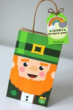 Decorate your Saint Patrick's Day Party with these cute Leprechaun Favor Bags. Party Favor Bags, Goodie Bags, Gift Bags, Lolly Bags, Lucky To Have You, Diy Party, Party Ideas, Leprechaun, Party Printables