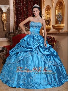Buy spring green strapless taffeta embroidery with beading dress for quince from lime green quinceanera dresses collection, sweetheart neckline ball gowns in color,cheap floor length taffeta dress with lace up and for sweet 16 quinceanera . Long Sweet 16 Dresses, Sweet Sixteen Dresses, Pretty Dresses, Beautiful Dresses, Dama Dresses, Quince Dresses, Prom Dresses, Dresses 2013, Tulle Ball Gown