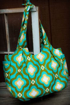 Amy Butler Sunday Sling Large Bag , High Quality.  Perfect diaper bag!