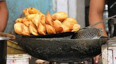 Halwai puts customers face in kadhai after he kept demanding bilkul garam samose  Chandigarh: A frustrated halwai in a sector 40 sweets shop shoved a customers face in kadhai earlier today when the customer kept asking for Bilkul garam samose. Other people present at the shop somehow managed to stop the customers face from touching the boiling oil.The customer Ravi Kumar has decided not to file any charges but has promised that he will never be buying samosas from this shop ever again. The…