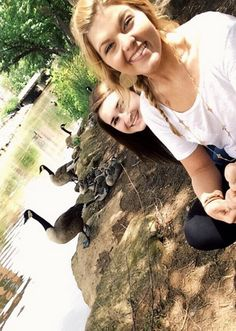 Take a gander at the interns' selfie abilities #agencylife #BOF #weareBOF #BrainsOnFire #goose #geese #FridayFotos #selfie