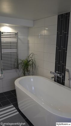 Tvättstuga med spakänsla. Före- & efterbilder! - Hemma hos Enslagsverklighet Bathtub, Bathroom, Inspiration, Standing Bath, Washroom, Biblical Inspiration, Bathtubs, Bath Room, Bath