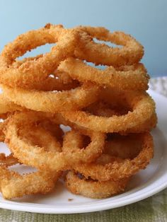 Crispy~Crunchy Onion Rings 1/2 cup all-purpose flour 1/4 cup cornstarch 2 tablespoons instant mashed potatoes big pinch of cayenne 1 cup cold club soda 2-3 cups Panko (Japanese-style breadcrumbs), or as needed fine salt to taste vegetable oil for frying 2-3 yellow onions, cut into 1/4-inch rings