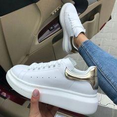 The best Alexander Mqueen shoes online Women's Shoes, Me Too Shoes, Shoes Sneakers, Shoes Sport, Shoes Online, Trendy Shoes, Casual Shoes, Sneakers Fashion, Slippers