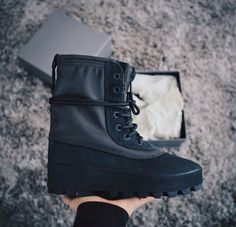 Adidas Yeezy 950 Boot in pirate black. #yeezyseason1 https://tmblr.co/ZsHPtc2Pa3h-s Runway Fashion, Fashion Models, Fashion Tips, Fashion Weeks, Paris Fashion, Adidas Yeezy 950, Yeezy Boots, Dad Shoes, Fashion Boots