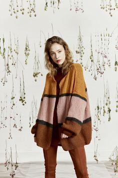 Breipatroon Damesvest XL Baby Camel, Addi Knitting Needles, Lang Yarns, Crochet Hooks, Ravelry, Sweater Cardigan, Vest, Hipster, One Piece