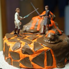 Totally doing this for Connor's birthday cake! Star Wars cake