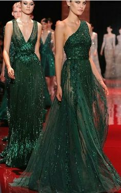 Find tips and tricks, amazing ideas for Elie saab. Discover and try out new things about Elie saab site Style Couture, Couture Fashion, Fashion Show, Paris Fashion, Haute Couture Dresses, Couture Week, Fashion Fashion, Fashion Models, High Fashion