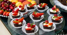 Have you ever considered a brunch wedding? Brunch Wedding, Wedding Book, Bridal Make Up, Wedding Make Up, Breakfast Buffet, Breakfast Recipes, Colorful Fruit, Desserts To Make, Hotel S