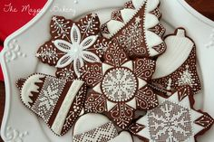 The Magpie Bakery offers elaborately detailed, handcrafted sugar cookies that taste as good as they look. Holiday Baking, Christmas Baking, Biscuit Decoration, Christmas Sugar Cookies, Cute Food, Royal Icing, Cookie Decorating, Gingerbread, Bakery