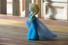 Princesa Elsa Frozen feltrada 100% lã de ovelha