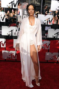 Rihanna in Ulyana Sergeenko at the 2014 MTV Movie Awards