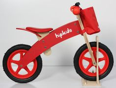 This wooden balance bike the ideal first bicycle for your little one. This bike's pedal free design encourages mobility & rapid development of balance and fine motor skills.