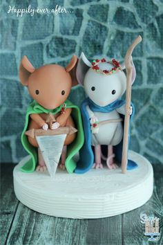 #Mouseguard cake topper for a friends upcoming wedding!! May they live happily ever after!! ❤️