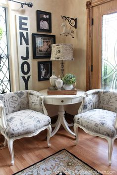 French Provincial Chairs from Confessions of a Serial Do-it-Yourselfer .the before was so bad! Decor, Furniture Makeover, French Decor, Cottage Decor, Chair Makeover, Vintage Chairs, Vintage Decor, French Provincial Decor, Home Decor