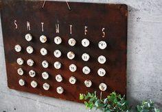 材料費わずか200円!インテリアにマッチするおしゃれな「万年カレンダー」を作ろう - Yahoo!不動産おうちマガジン