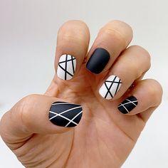 Line Nail Designs, Striped Nail Designs, Black And White Nail Designs, Short Nail Designs, Nail Design For Short Nails, Acrylic Nails Designs Short, Cute Simple Nail Designs, Short Square Acrylic Nails, Short Nails Art