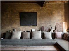 Tendance Japandi : style scandinave et esprit japonais – fr decors Wabi Sabi, Sofas, Projects To Try, House, Furniture, Home Decor, Home Decoration, Deko, Farm Cottage