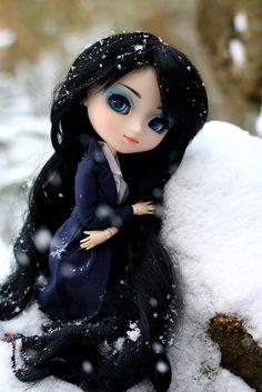 "Pullip Snow Princess Zélie : ""Il neige !"" by Sweetie ♥, via Flickr"