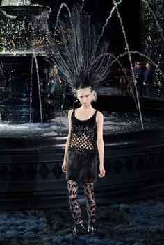 Modern flapper at Louis Vuitton. #pfw #ss14