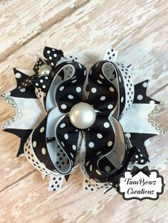 Black and white stacked hair bow www.facebook.com/TamBowz www.etsy.com/shop/tambowzcreations