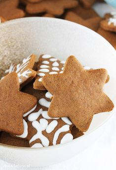 Christmas Baking, Gingerbread Cookies, Baking Recipes, Food And Drink, Sweet, Cookies, Recipes, Gingerbread Cupcakes, Cooking Recipes