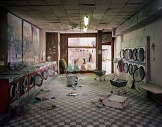 """Lori Nix is a photographer that works with miniatures and models. Her project """"The City"""" depicts eerie abandoned buildings in an apocalyptic world.the details of these miniatures is breath taking! Abandoned Buildings, Abandoned Places, Post Apocalyptic City, Critique D'art, Apocalypse Art, Back To Nature, End Of The World, Innovation Design, Business Innovation"""