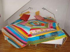 A fabulous quilt bedspread by Ann StewArt on Flickr.