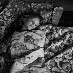 All tucked in capturedby #Budapest photographer @szuziesanaplopok. To submit your images for consideration on our feed follow @childhoodeveryday and tag your photos #childhoodeveryday. // #blackandwhiteisworththefight #blackandwhite #monochrome #monochromatic #portrait #portraitphotography #portraits #documentary #familydocumentary