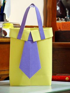 Origami Made With Letter T-shirt, Origami Bag, Teen Programs, Creative Arts And Crafts, Shirt Bag, Club, Lettering, My Style, Box, How To Make