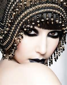 Gothic Eye Makeup Tips 2012 4 Gothic Eye Makeup, Dark Makeup, Victorian Makeup, 1920s Makeup, Dark Beauty, Gothic Beauty, Eye Makeup Tips, Beauty Makeup, Makeup Ideas