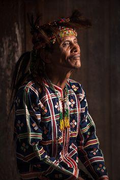 Philipinnes | Portraits from Davao ~ A 'Matigsalug tribal Datu (Chieftain)' | © Jacob Maentz