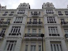 Edificio en la Plaza de Lugo de La Coruña (España).