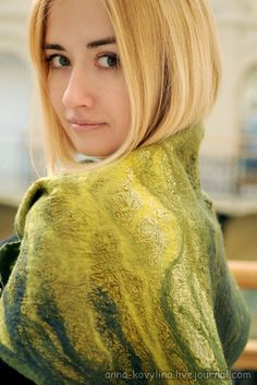 "Nuno-felted scarf-baktus ""Rustling leaves."" Wool, silk fabric."