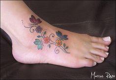 borboletas e flores no pé