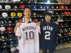 【新宿1号店】2014.05.16 野球好きのとっても仲のいいご夫婦にご来店頂きましたよ☆ユニフォームをご購入にいただきました。またのご来店お待ちしております。 #npb