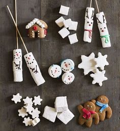 Take your next holiday gathering up a notch with a hot cocoa bar. Here are some cute ideas to make a hot cocoa bar — and one your guests will love. Christmas Treats For Gifts, Holiday Treats, Christmas Cookies, White Christmas, Christmas Time, Christmas Crafts, Christmas Decorations, Christmas Ornaments, Chocolate Toppers