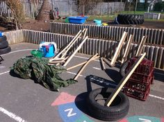 Loose parts for den building Kids Outdoor Spaces, Eyfs Outdoor Area, Outdoor Learning Spaces, Outdoor Education, Outdoor Areas, Outdoor Play, Outdoor Classroom, Outdoor School, Den Building