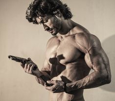 Vidyut Jamwal Body, Man Body, Commando 2, New Upcoming Movies, Picture Watch, Nutrition Sportive, Martial Artist, Actor Photo, Shirtless Men