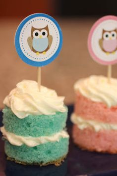Owl Cupcake Toppers - FREE Printable!  maybe these ones Deni!!!??