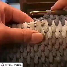 Cómo tejer una cesta a crochet bags pattern videos Crochet basket lesson series Crochet Basket Pattern, Crochet Stitches Patterns, Knitting Stitches, Knitting Patterns, Diy Crochet Basket, Crochet Crafts, Free Crochet, Learn Crochet, Simple Crochet