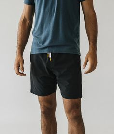 Premium men's athletic shorts with technical fabrics, one-of-a-kind components, and a tailored fit. Fashion Deals, Mens Fashion, Mens Workout Shorts, Men Tips, Athletic Fashion, Short Outfits, Athletic Shorts, Perfect Fit, Button Down Shirt